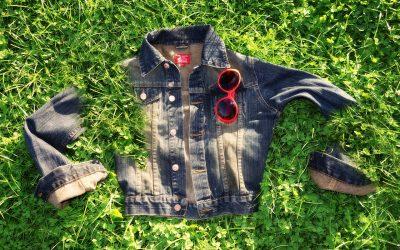 Les vestes en jeans pour parfaire son look.